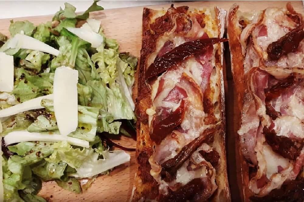 bruschetta-salade-le-comptoir-authentique-cantine